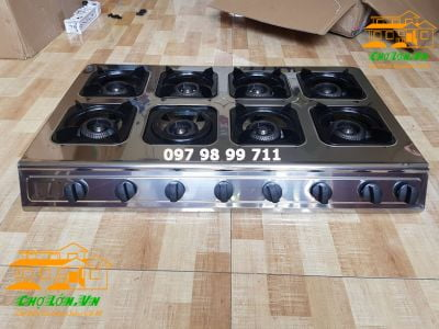 Gas Stove Cooks Spicy Noodles with 8 Burners